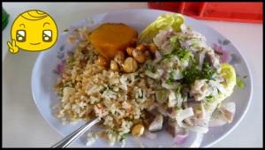 Ceviche : du poisson cuit dans du jus de citron avec de la coriandre, des oignons et du celeri