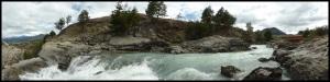 En dessous, y'avait une belle chute. En kayak, ça devait bien être du classe 14 : gilet pare-balles obligatoire