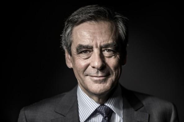 Francois-Fillon-ancien-premier-ministre-Nicolas-Sarkozy-candidat-Republicains-lelection-presidentielle-2017_0_729_486